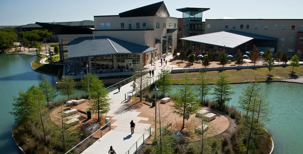 Let more community colleges offer fouryear degrees