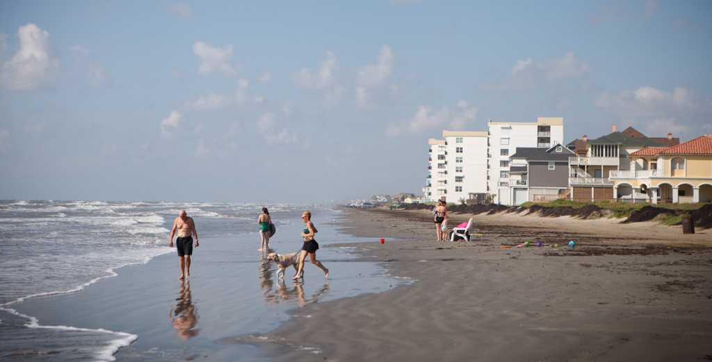 Flesh Eating Bacteria Scares Shouldn T Keep You Off Texas Beaches